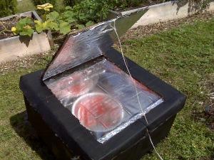 Four solaire pour sécher les tomates